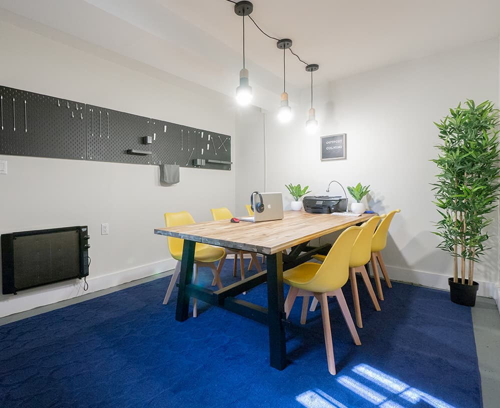 Co Living Outpost Club
